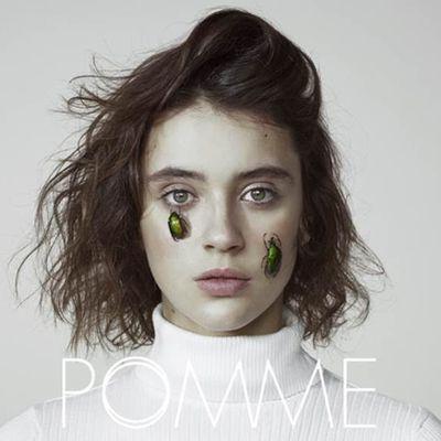 A peu près, le premier album de Pomme, CHRONIQUE