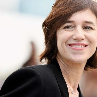 Charlotte Gainsbourg sort un single live Such a Remarkable Day.