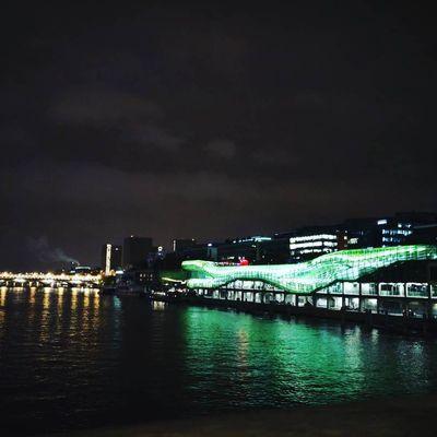 Pont nocturne et dealers...