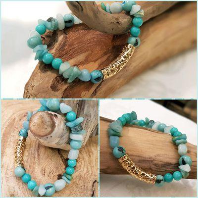 Des Perles Amazonites d'un beau bleu-vert pour ce bracelet , tube plaqué or .