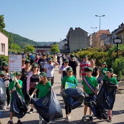 Marche pour la planète avec le conseil municipal des enfants à Algrange