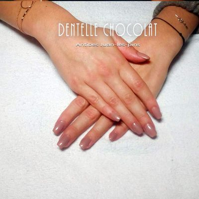 Antibes Ongle nude . Ongle Juan-les-pins