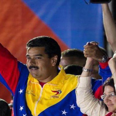 Miguel Diaz-Canel et Raul Castro félicitent Nicolas Maduro pour sa victoire aux urnes