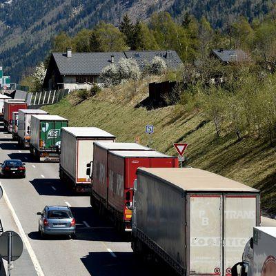 Manifestation en Italie, samedi 16,   pour la transformation des Pays de Savoie en couloirs à camions!