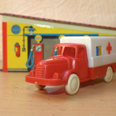 BS Beuzen et Sordet, camion de pompiers ambulance Berliet (?)