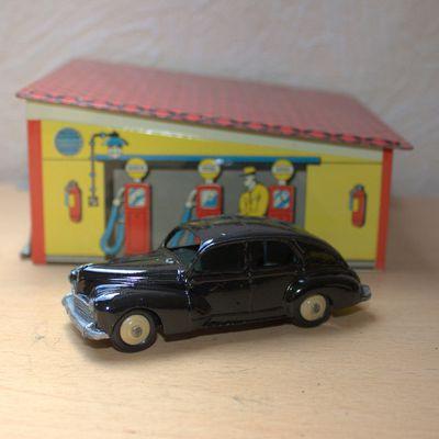 Dinky Toys Peugeot 203 - fin de restauration