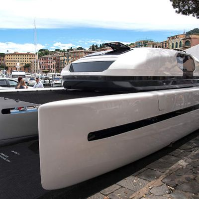 Outcut 29.5, le catamaran powerboat à géométrie variable !