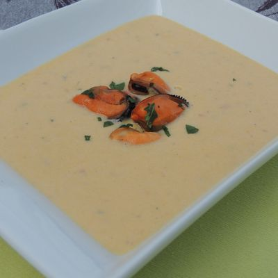 VELOUTE DE MOULES AU CURRY