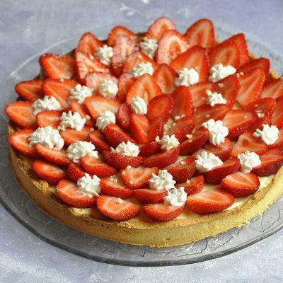 Tarte aux fraises sur pâte sablée aux amandes