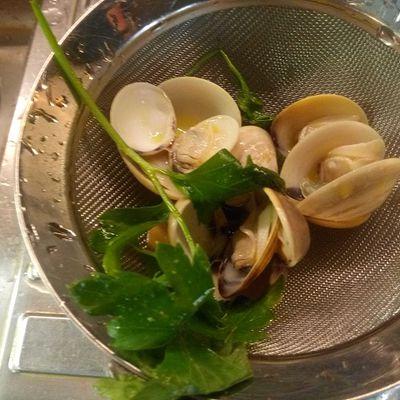 Pappardelle di grano saraceno con frutti di mare e zucchine novelle