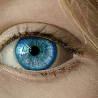 Looking Into Someone's Eyes For Longer Than 10 Minutes Induces Altered State of Consciousness