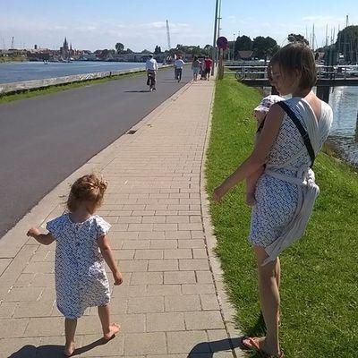 robe d'allaitement taille 34 assortie à deux robes enfant un an et 3 ans