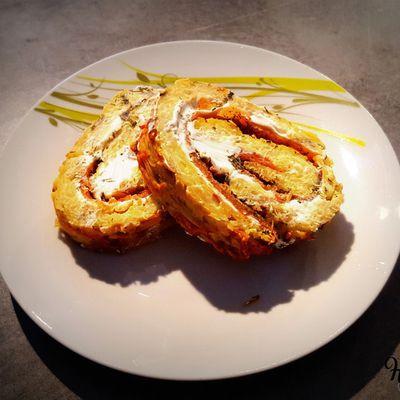 Roulé de pommes de terre au fromage frais et saumon fumé