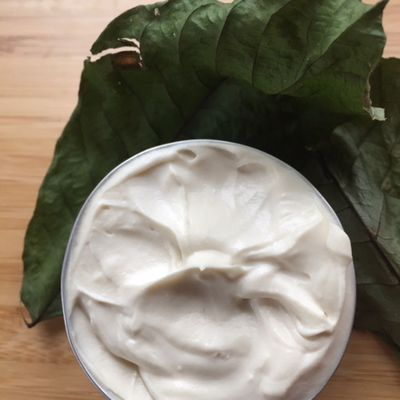 Mousse hydratante peaux mixtes à grasses aux feuilles de noyer