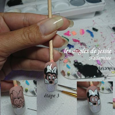 nailart Minnie à main levée