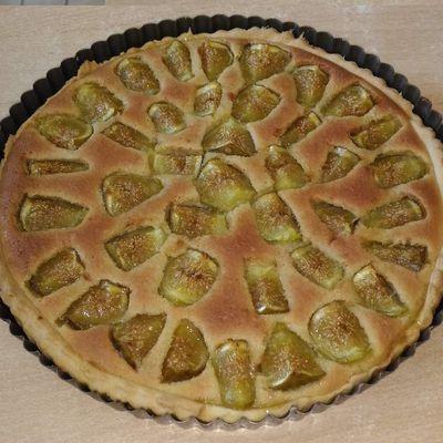Tarte aux figues à la crème d' amande