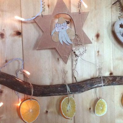Des oranges séchées pour décorer le sapin