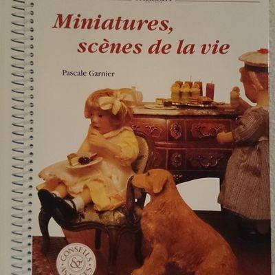 Miniatures et scènes de la vie : les maisons de poupées !