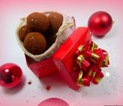 Les truffes au chocolat maison ( avec pâte d'amande maison aussi)
