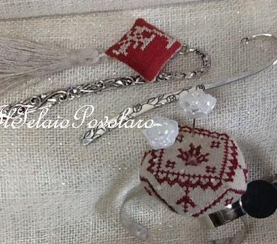 Tra gli accessori della ricamatrice...  anche un bel braccialetto da polso - punta aghi - potrebbe far comodo!!!