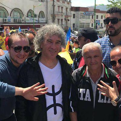 Zedek Mouloud arrêté par la police à l'issue de la manifestation du 20 avril à Tizi Ouzou