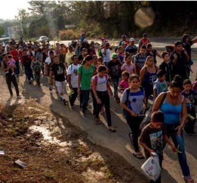 USA Vidéo sur les préparatifs actuels des troupes américaines face à l'arrivée potentielle des migrants (anglais)