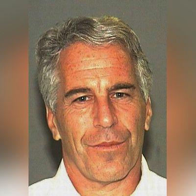 Qui est le Jeffrey Epstein, le millionnaire lié à Donald Trump et Bill Clinton inculpé d'exploitation sexuelle de mineures?