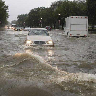 USA : Inondations spectaculaires à Washington après des pluies torrentielles