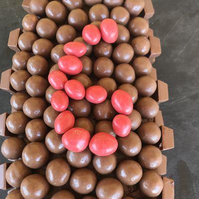 Ultra fondant au chocolat, ganache mascarponutella, kinder et maltesers