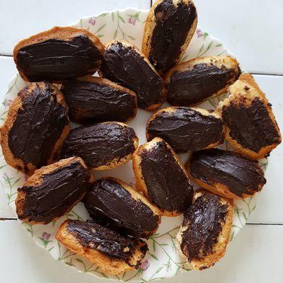 Madeleines fraises, noix de coco et chocolat...
