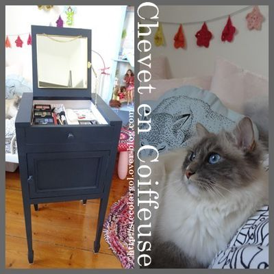 Table de Chevet transformée en Coiffeuse - Tuto DIY