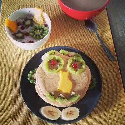 Fluffy pancakes curcuma-vanille