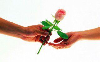 """Amor, """"solo"""" puedo regalarte amor"""