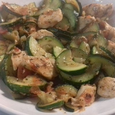 Poulet,courgette,tomate