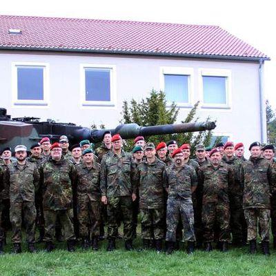 70 Reservedienstleistende des Stabes der 10. Panzerdivision informierten sich zwei Tage lang am Standort Veitshöchheim über aktuelle Handlungsfelder