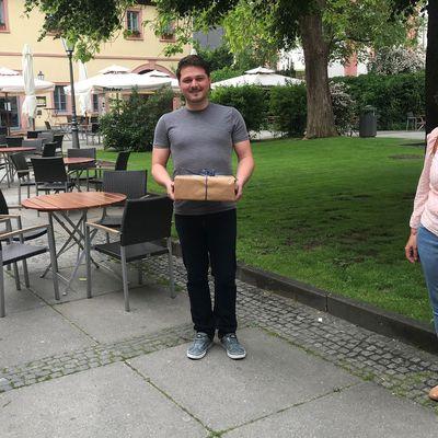 Nachbarschaftshilfe Veitshöchheim dankt Philipp Meister vom Bürgerbüro für die gute Zusammenarbeit