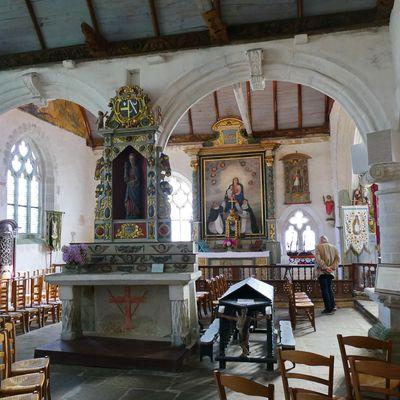La chapelle Saint-Tugen en Primelin : l'intérieur.