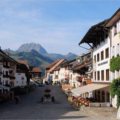 Village et château de Gruyères en Suisse