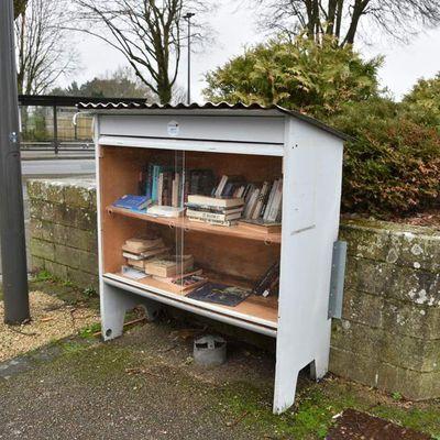 Merci à ceux qui ont changé les portes de la boîte à livres de Penhars