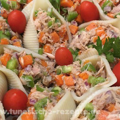 Thunfisch-Möhrensalat in Muschelnudeln