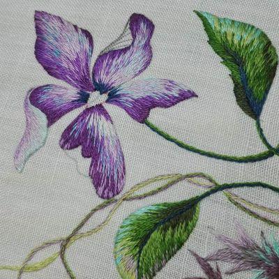 Peinture à l'aiguille - les violettes -  la suite