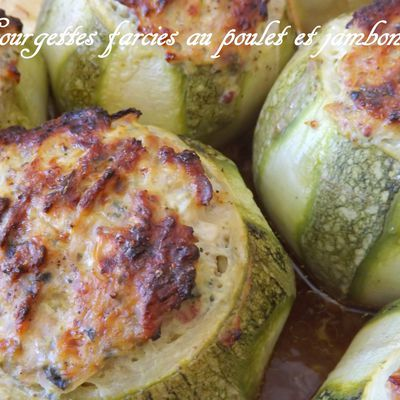 Courgettes farcies : Poulet, jambon cru, fromage fondu, coriandre, curry..
