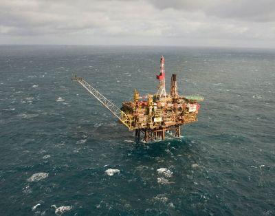 Pour l'interdiction d'exploiter les combustibles fossiles en mer :12 associations écrivent à S. Royal