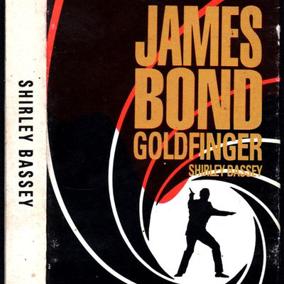 Shirley Bassey - Goldfinger / Monty Norman Orchestra - James Bond Theme (Dr No)