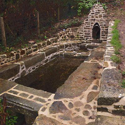 BOHARS: Fontaine Saint Maudez