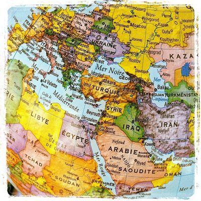 Entre Islam et Russie, savoir choisir ses ennemis, ou les tournants de la géopolitique. Alexandre del Valle : Les Vrais ennemis de l'Occident ; Hubert Seipel : Poutine, une vision du pouvoir.
