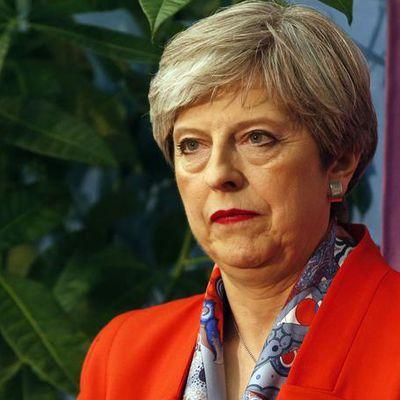 Royaume-Uni: Theresa May et les Conservateurs perdent la majorité au parlement