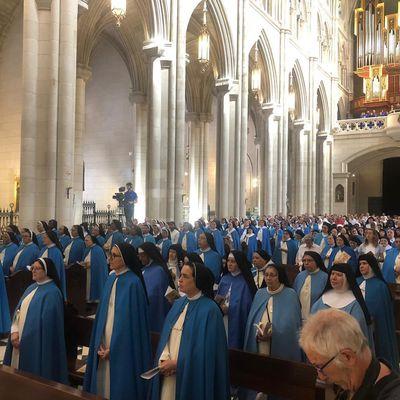 Madrid : 14 moniales martyres