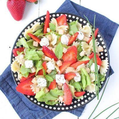 Salade de Pâtes aux Fraises & Fromage Frais