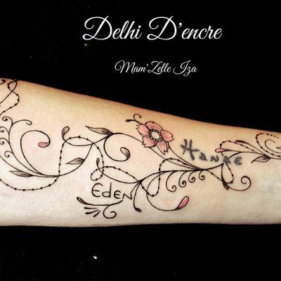 Tatouage arabesques et ornements avant bras.